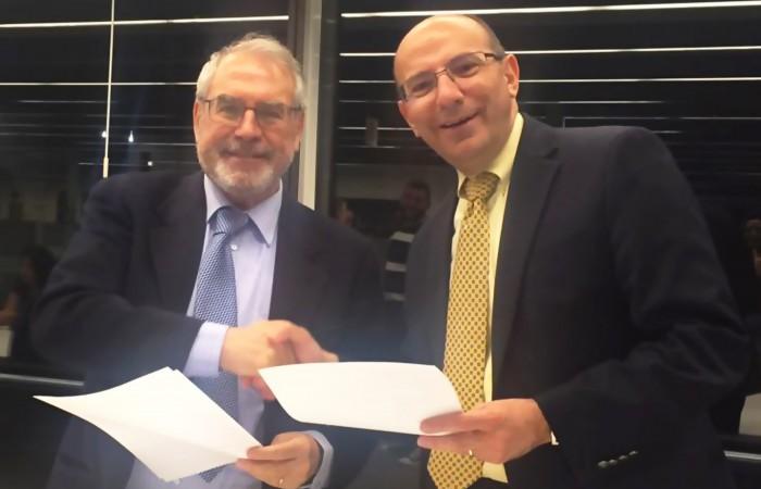 دار الكلمة الجامعية توقع اتفاقيات شراكة مع جامعة ايكامبس الايطالية