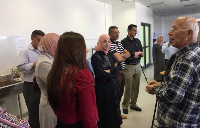 دار الكلمة الجامعية تستضيف فريق تطوير منهاج الفنون والحرف الفلسطيني