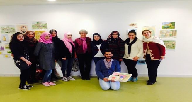 كلية دار الكلمة الجامعية تحتضن معرض رسم لفنانين فلسطينيين وسويد