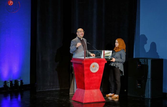 خريجة دار الكلمة الجامعية نور أبو غنية تفوز بجائزة افضل فيلم وثائقي في مهرجان جامعة زايد السينمائي للشرق الأوسط